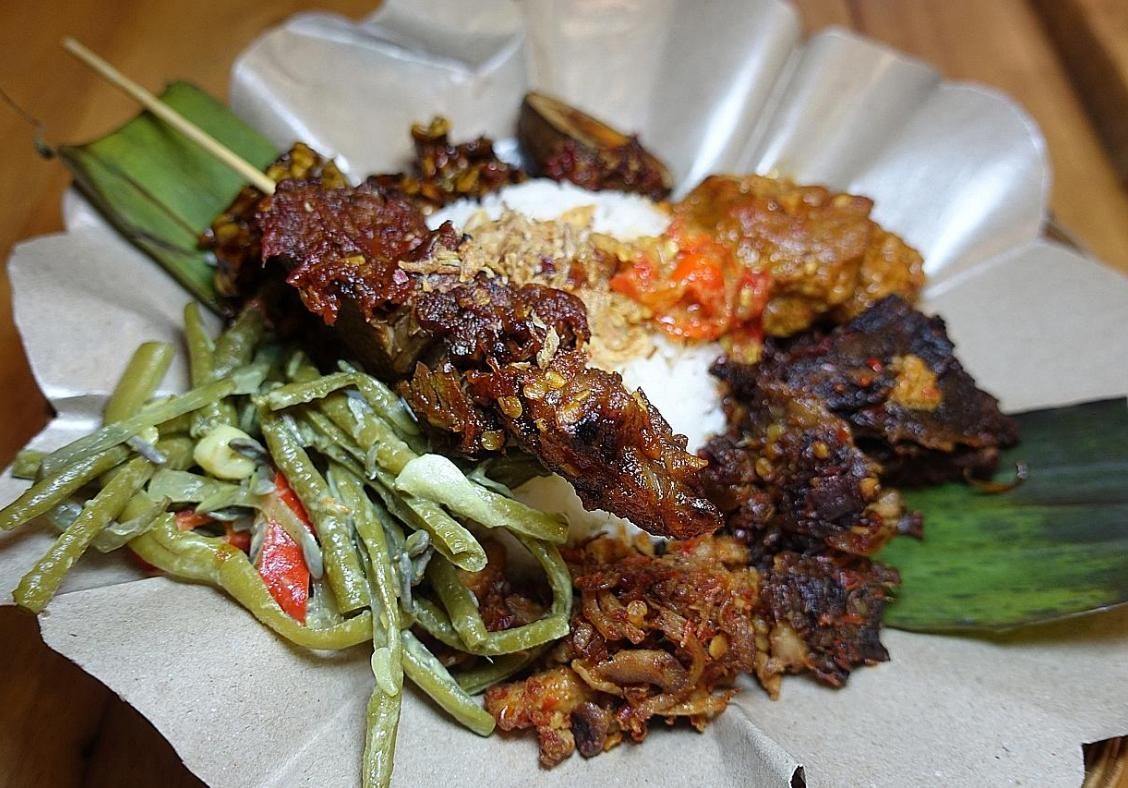 Makansutra The Wonders Of Warteg At Indonesian Food Stall Style