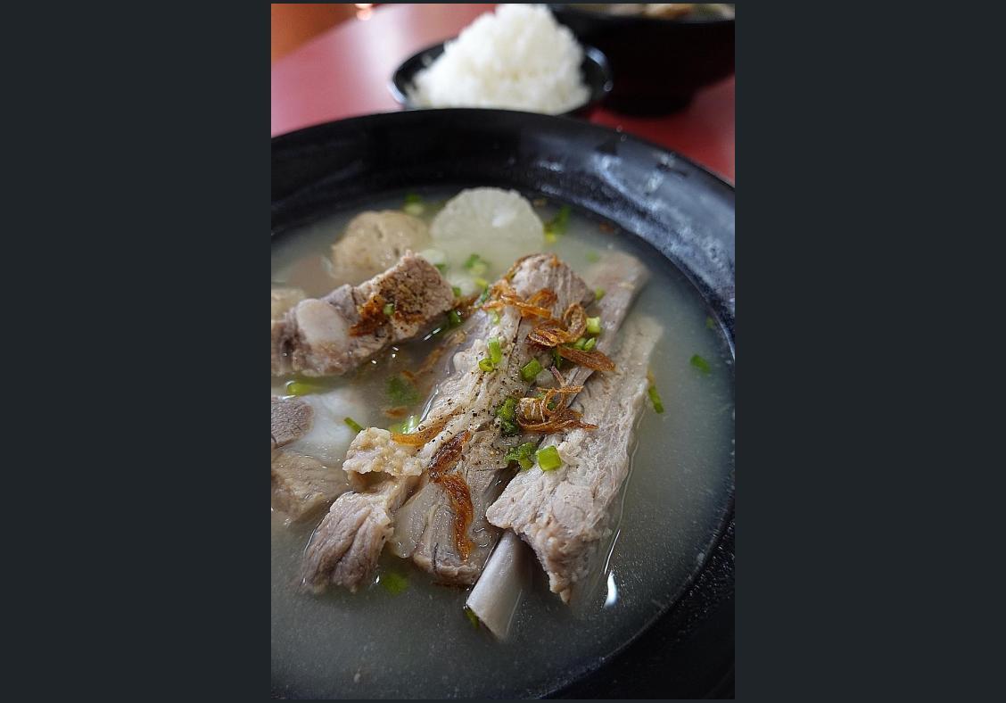 Makansutra: Egg sausage the star of Monan's pork soup