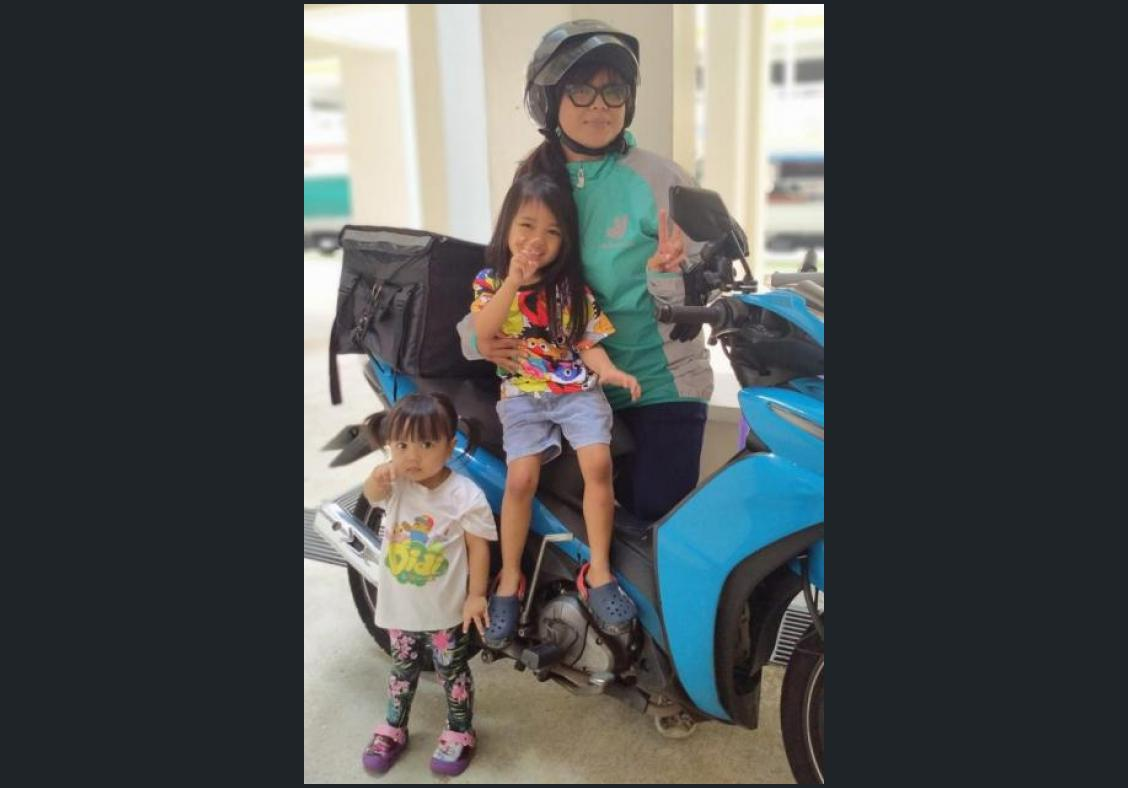 Supermums ditch office jobs, become riders to spend time with kids