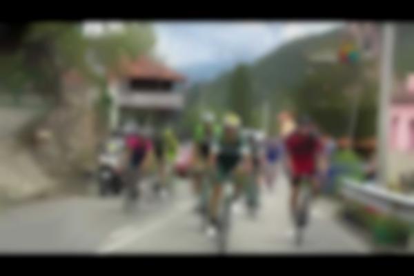 Pelea Vuelta España- Fight Vuelta Spain. Brambilla vs Rovny. HD