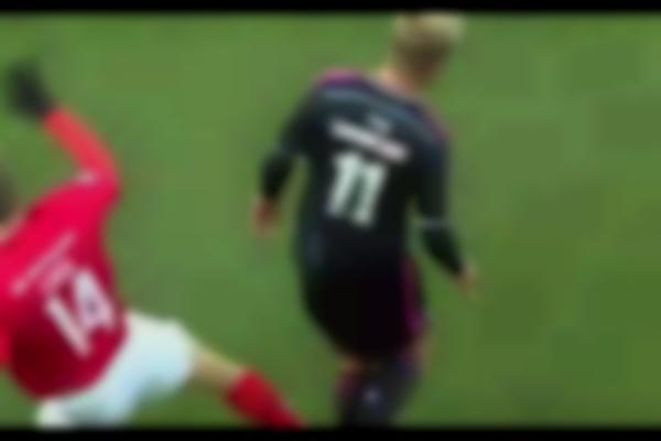 Andreas Cornelius breaks his leg