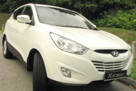 Hyundai recalls 140,000 vehicles in the US over airbag issue.