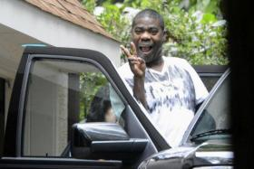 US comedian Tracy Morgan was spotted for the first time on Monday (July 14) after he suffered his critical injury last month in the New Jersey Turnpike accident.