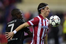 Chelsea are set to sign Atletico Madrid left-back Filipe Luis (right).