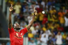 Belgian striker Romelu Lukaku is on his way to Everton from Chelsea, according to reports in the UK.