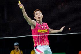 Malaysia's Badminton champ Lee Chong Wei is headed for the final of the BWF World Championships after beating home player Viktor Axelsen.