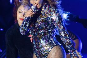 Rumour has it, Jay Z has got big plans to spoil wife Beyonce for her 33rd birthday.