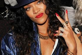 Rihannas nude pics uploaded in hackers round two release