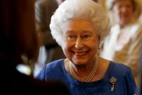 The boss (Queen Elizabeth) is looking for a royal chewing gum remover to work at her palaces.