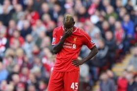 Liverpool striker Mario Balotelli has been left out of Antonio Conte's Italy squad for a second time in a row.
