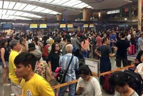 stuck: Passengers affected by the delay of Scoot flights.