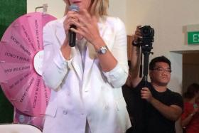 Maria Sharapova appeared on Wednesday (Oct 15) evening at The White Rabbit on Harding Road in Singapore for a corporate event hosted by Evian and TAG Heuer.