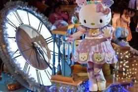 Hello Kitty celebrated in the Hello Kitty 40th anniversary parade at Tokyo's Sanrio Puroland on Saturday (Nov 1). The Sanrio character marked her 40th anniversary appearing at an upscale Tokyo department store and performing shows at a theme park.