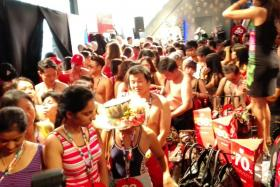 Singaporeans turned up semi naked to a Desigual store at Orchard Road & walk out with a free outfit.