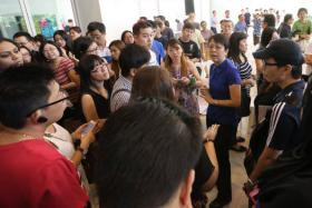 Would-be residents of Fernvale Lea met Sengkang West MP Lam Pin Min at a closed-door dialogue that lasted for three hours at the Anchorvale Community Club's multi-purpose hall on Jan 4. The session was attended by 400 people as they discussed the development of a Chinese temple which will also house a columbarium.