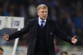 Real Sociedad coach David Moyes reacts during their Spanish first division soccer match against Barcelona at Anoeta stadium in San Sebastian January 4.