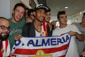 Thai striker Teerasil Dangda will return to his homeland after his loan deal at La Liga side Almeria was terminated.