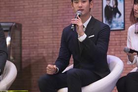 Keeping it real: Kim Soo Hyun made headlines last October when he turned up at a motor event looking chubby (see Instagram picture below).  This was a stark contrast to his iconic, sexy, You Who Came From The Stars look.