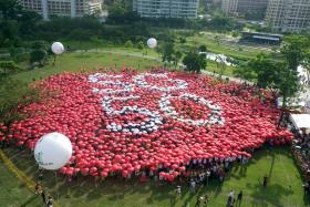 The Ministry of Manpower has announced an additional public holiday on Aug 7, 2015 to mark Singapore's 50th birthday.
