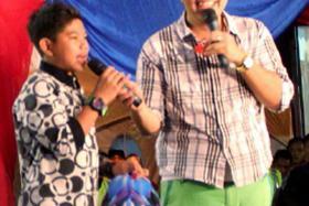 LAST YEAR: Indonesian singer Tegar Septian (left) and his ex-manager, Singaporean Arif Dollah, at a festival in Sabah last November.