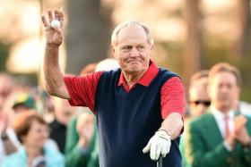 Jack Nicklaus begins Round 1 of the 79th Masters Golf Tournament at Augusta on Thursday