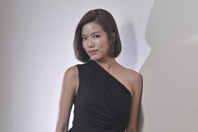 Rui En received flak for sporting a black face at the Star Awards ceremony last weekend.
