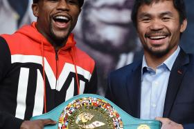 Floyd Mayweather Jr. (left) and Manny Pacquiao (right).