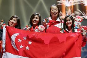 GOLDEN GIRLS: The women's fencing team do Singapore proud.