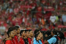 HARD TIME: Several senior players of the squad (in red) suffered from fatigue during the SEA Games.