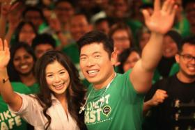 Courtsey of Mr Anthony Tan and Miss Chloe Tong, Singaporeans can enjoy $15 off two rides on GrabCar from June 27-28.