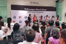 IN THE SPOTLIGHT: National netball coach Ruth Aitken (in red) and four of her players answering questions on stage during a meet-and-greet session at the Volkswagen Centre at Alexandra Road last evening.