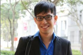 Blogger Roy Ngerng arrives at the Supreme Court.