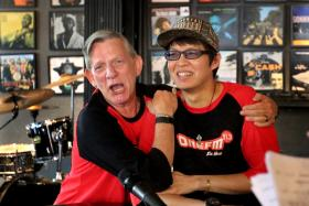 The Flying Dutchman and Glenn Ong during the interview at Barber Shop at House of Timbre
