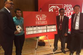 L to r: Red Card Global group CEO R Sasikumar, former national soccer star Indra Sahdan, FAS president Zainudin Nordin and FAS general secretary Winston Lee.