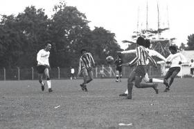 LEGEND: Quah Kim Swee in action for HSBC against Sembawang Shipyard in the Singapore Business Houses Football League in 1974.