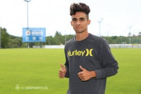 Julio Rey's prospective transfer to Deportivo was cancelled by the Spanish club after they discovered his offensive Twitter message from 2012.