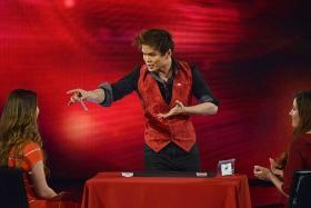 CARD TRICKS: Magician Shin Lim performing on Penn & Teller: Fool Us.