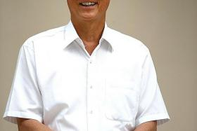 """""""Opposition parties come and go, like nomads. Nomads do not have interest in the people's welfare — they are looking for plunder."""" — Emeritus Senior Minister Goh Chok Tong"""