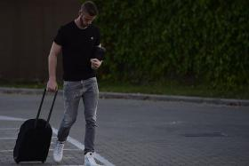 """""""You wonder what his frame of mind will be like once he comes back into the team. He strikes me as a really good lad, but he's been set on going to Real Madrid for so long now that it's going to be very tough for him. But he's got to get back to playing as soon as possible."""" — Former Liverpool midfielder Jamie Redknapp on David de Gea (above)"""