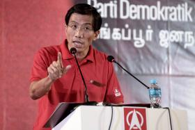 Dr Chee Soon Juan, SDP candidate for Holland-Bukit Timah impressed supporters with his multilingual abilities at his first rally speech in 15 years.