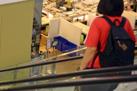 A series of escalator accidents in China have made shoppers jittery.