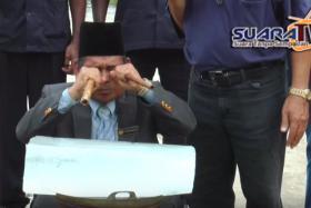 I see a way to clear the air, according to self-styled bomoh Datuk Mahaguru Ibrahim Mat Zin.