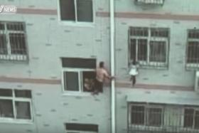 This Chinese man risked his life and managed to save the toddler with quick thinking.