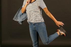 DENIM GIRL: Daphne Khoo in Levi's 711 Skinny cropped jeans.