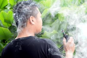 Problem: The president of a consumer group said that Malaysian school children think vaping is fashionable.