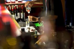 A night out of drinking with friends can be made frustrating when you are trying to get the attention of the busy bartender. The app Orderella promises an end to that.