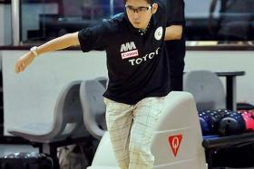 FAMILIAR GROUND: Remy Ong in action when he won the Qatar Bowling Open in 2009.
