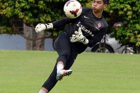 GOALKEEPERS' UNION: Izwan Mahbud will join national-team rival Hassan Sunny in the Thai Premier League should he move to Chonburi FC.