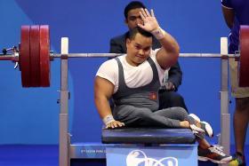 Powerlifter Nguyen Binh An (above).