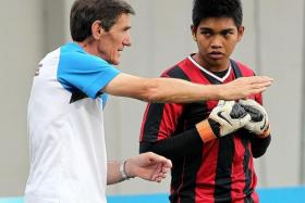 REUNION? Former Singapore coach Radojko Avramovic (left) and goalkeeper Izwan Mahbud (above) are both on the radar of Thai club Chonburi.